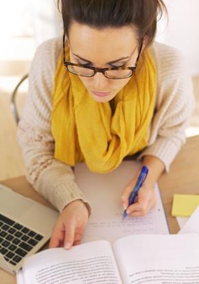 9 פעולות שאתה חייב לעשות כדי להימנע מגנבה ספרותית בלתי מכוונת בעבודה האקדמית שלך